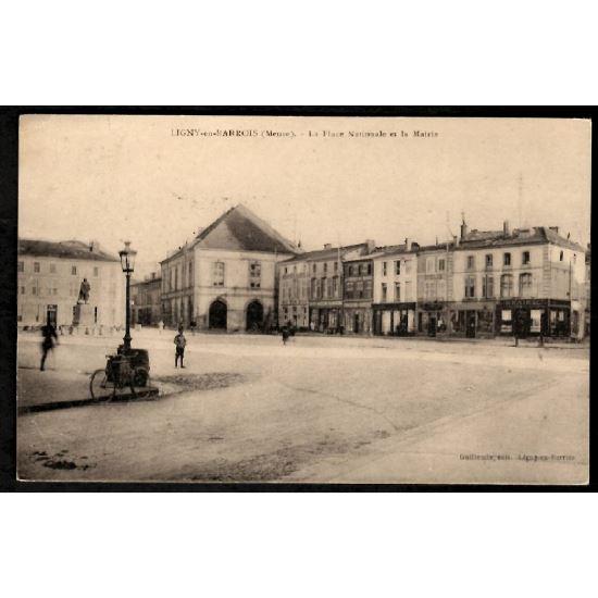 55 - LIGNY EN BARROIS (Meuse) - La Place Nationale et la Mairie