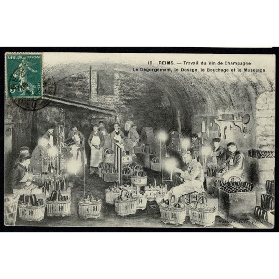 51 - REIMS (Marne) - Travail du Vin de Champagne - Le Dégorgement, le Dosage, le Bouchage et le Muselage