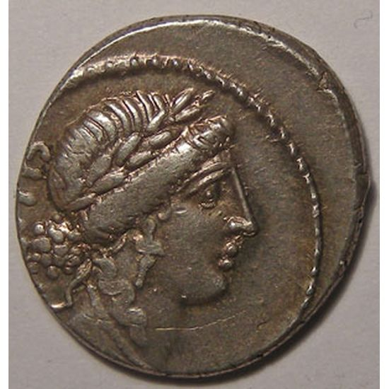 Monnaie romaine, République Romaine, M. ACILIVS GLABRIO, Denier, R/ MN ACILIVS III VIR VALETV, 4.09 grs, TTB+/SUP