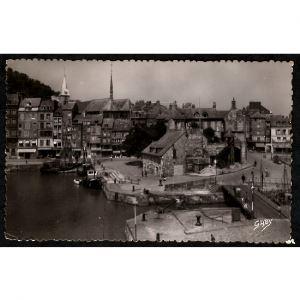 14 - HONFLEUR (Calvados) - La Lieutenance et le Vieux Bassin