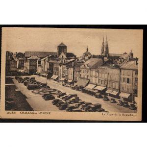 51 - CHALONS SUR MARNE - La Place de la République