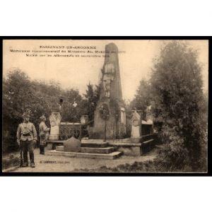 51 - PASSAVANT EN ARGONNE - Le Monument Commémoratif du Massacres des Mobiles en 1870