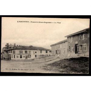 51 - PASSAVANT en ARGONNE (Marne) - La Place - Café de la Réunion