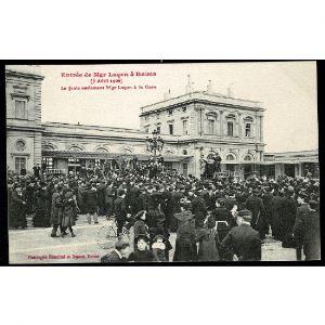 51 - REIMS - Entrée de Mgr Luçon à Reims (5 Avril 1906) - La foule acclamant Mgr Luçon à la Gare