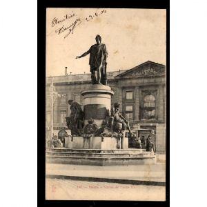 51 -  REIMS - Statue de Louis XV