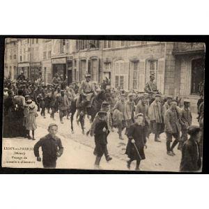 55 - LIGNY EN BARROIS (Meuse) - Passage de Prisonniers Allemands