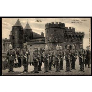 57 - METZ (Moselle) - Portes des Allemands avec soldats - Deutsches Tor -