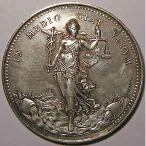 Photo numismatique Monnaies Jetons et médailles Jeton rond en argent La Soie