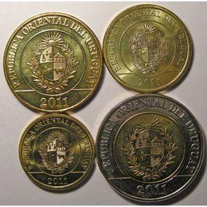 Photo numismatique Monnaies Etrangères Uruguay Lots