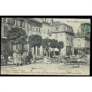 88 - RAON L'ETAPE (Vosges) - Aprés la Bataille - Barricade élevée par les Grèvistes et Emeutiers
