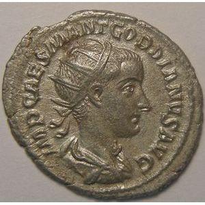 Empire romain, Gordianus III, Antoninien, R/ FIDES MILITVM, 3.22 Grs, TB+/TTB