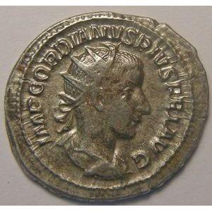Empire romain, Gordianus III, Antoninien, R/ VIRTVS AVG, 4.37 Grs, TB+/TTB