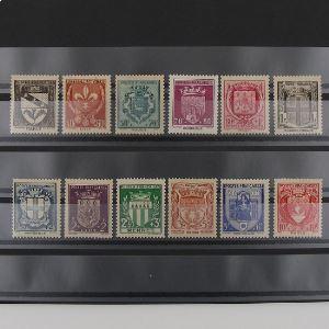 FRANCE n°526-537  N** Cote 38€