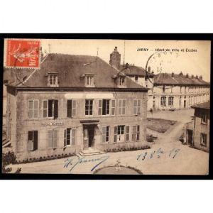 JARNY - Hôtel de Ville et Ecoles