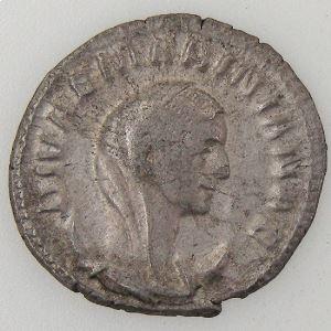 MARINIANA, Antoninien, R/ CONSECRATIO, TTB