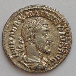 MAXIMIN I, MAXIMINUS I, Denier, VICTORIA AVG, SUP