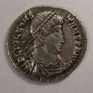 Monnaie romaine, empereur, Constans, argenteus.  R/ VICTORIA DD NN AVGG